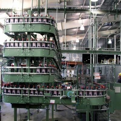 Quart oil bottle filling